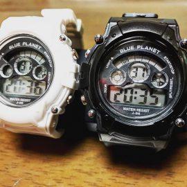 ダイソーの腕時計を白黒揃えたよ♪