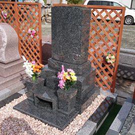 プレミアム墓石「優美」を建上した素敵なお墓が完成となりました。