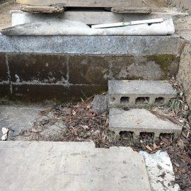 「石屋さん。工事に来るならついでにうちのお墓も直してくれませんか?」