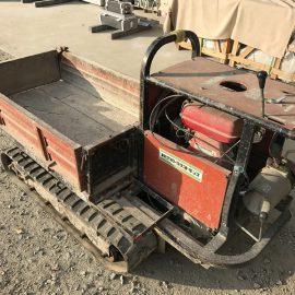 古い石材運搬車を眺めながら石工としての大叔父を想う。