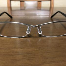 石の粉でメガネのレンズがすぐに傷だらけになるので。