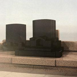 プレミアム墓石「優久Ⅱ型」。落ち着いたデザインで素敵です。