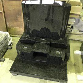 プレミアム墓石「優久Ⅱ」が入荷となりました。