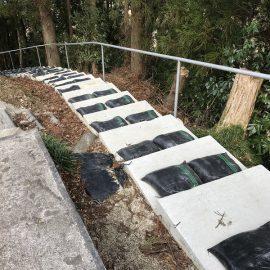 難所墓地での石塔竿石の搬出が無事に終了。